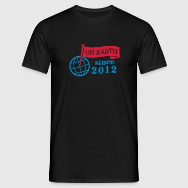 flag on earth since 2012  2c (nl) - Mannen T-shirt