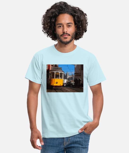 Design T-Shirts - Tram in Lisbon - Men's T-Shirt sky
