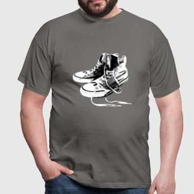 Sneakers Black And White - Männer T-Shirt