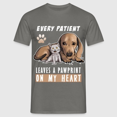 Veterinary - Every patient leaves a pawprint on my - Men's T-Shirt