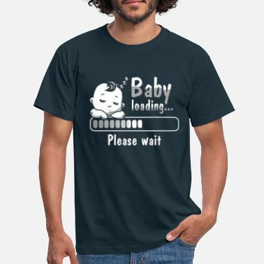 Baby Shower Baby loading gift para baby pee - baby shower - Camiseta hombre