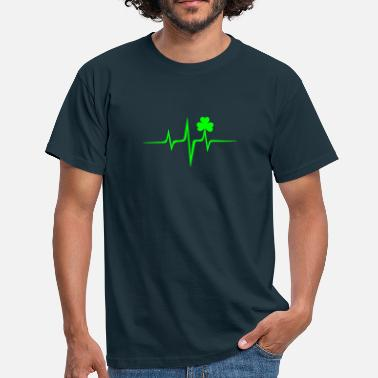 Irish Music heart rate shamrock Patricks Day Irish Folk - Men's T-Shirt