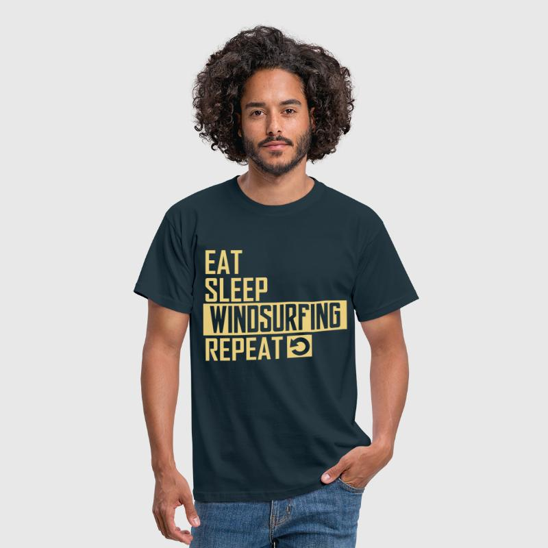 eat sleep windsurfing - Männer T-Shirt