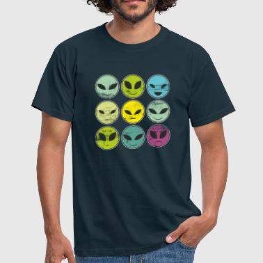 Funny alien heads and facial expressions smiling - Men's T-Shirt