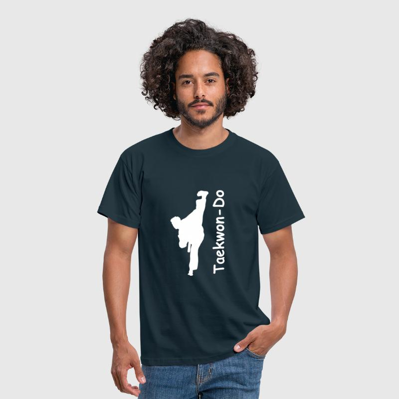 taekwondo kick - Men's T-Shirt