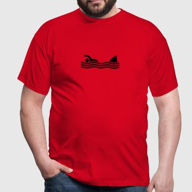 swimmer with shark - Men's T-Shirt