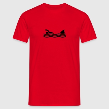 swimmer with shark - Mannen T-shirt