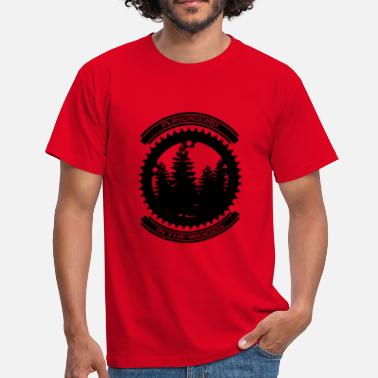 Woods PLAYGROUND IN THE WOODS - Männer T-Shirt