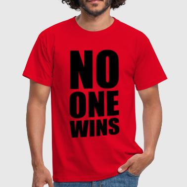 no one wins - Mannen T-shirt