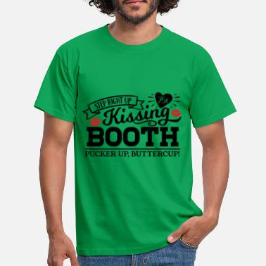 Booth Kissing booth - Men's T-Shirt