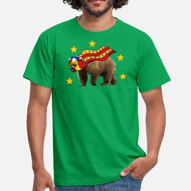 Cool superhero bear overdrawn with cape - Men's T-Shirt