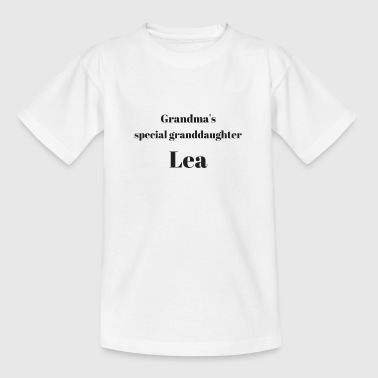 Grandma s special granddaughter Lea - Kids' T-Shirt