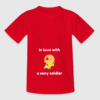 I love a sexy soldier. - Kids' T-Shirt