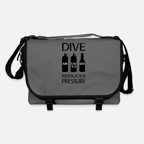 Aquatics Bags & Backpacks - Diving reduces pressure - Shoulder Bag graphite/black
