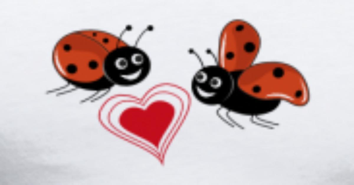 marienk fer mit roten herzen t shirt spreadshirt. Black Bedroom Furniture Sets. Home Design Ideas