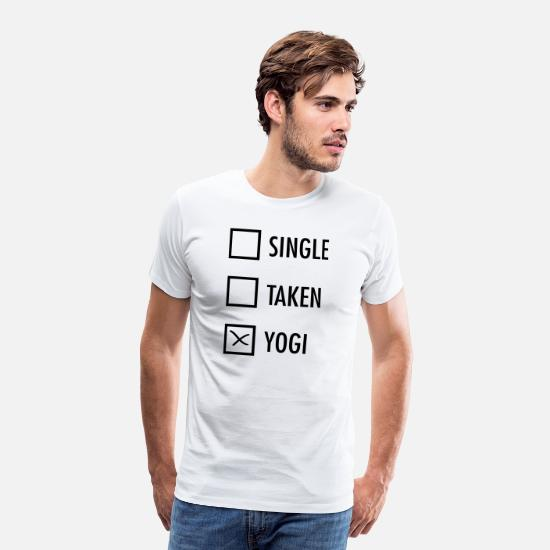 Yogi T-Shirts - Single Taken Yogi - Männer Premium T-Shirt Weiß