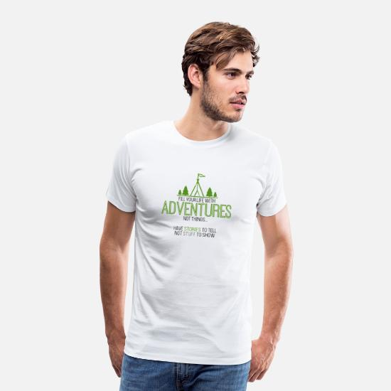 Silhouette T-Shirts - Fill life with Adventures|Pine trees|Waving flag - Männer Premium T-Shirt Weiß