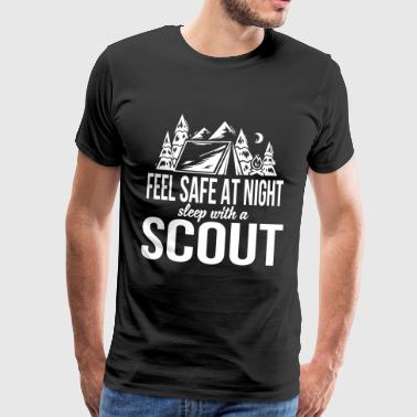 Feel safe at night, sleep with a scout - Maglietta Premium da uomo