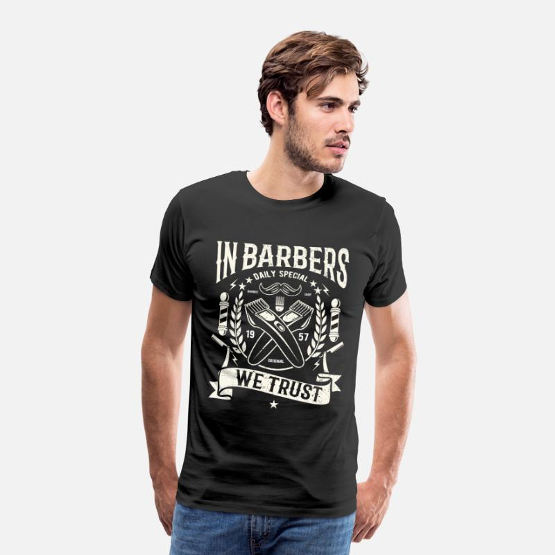 Barber T-Shirts - In Barber's we vertrouwen - kapper overhemd Barber t-shirt - Mannen premium T-shirt zwart