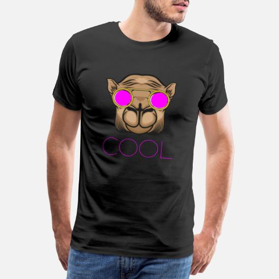 14f296d4 Kamel med rosa briller Premium T-skjorte for menn | Spreadshirt