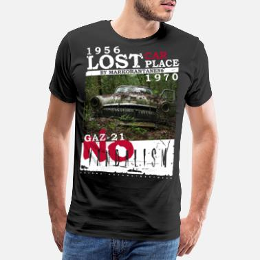 Lost Lost Place Lost Car 1956 by ART8NS - Männer Premium T-Shirt