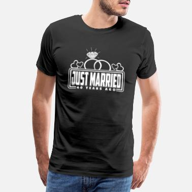 40 Just Married 40 Years Ago T-Shirt look partenaire - T-shirt premium Homme