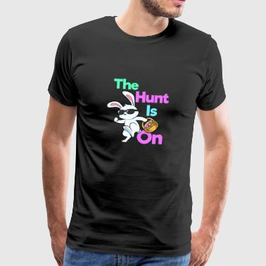 The Hunt is op - Mannen Premium T-shirt