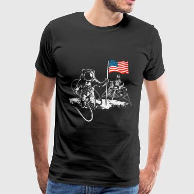 American flag at the moon landing Apollo 17 - Men's Premium T-Shirt