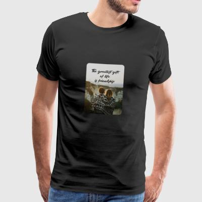 The greatest gift of life is friendship! - Männer Premium T-Shirt
