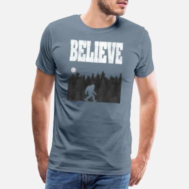 Sasquatch Bigfoot Design - Believe - Koszulka męska Premium