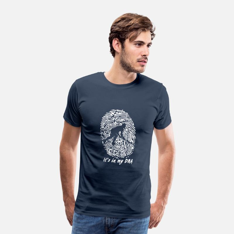 Hockey T-Shirts - Hockey: Het zit in mijn DNA - Mannen premium T-shirt navy