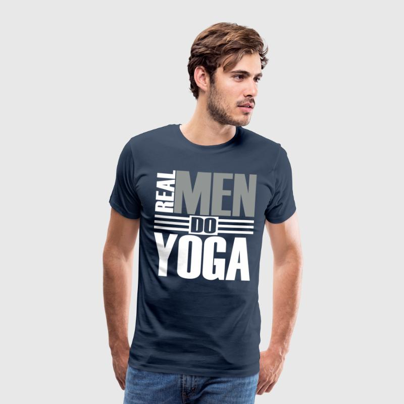 Real men do Yoga  - Männer Premium T-Shirt