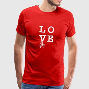 Love climbing bouldering climbing shoes on the carabiner - Men's Premium T-Shirt
