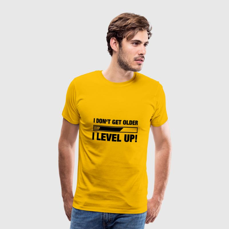 I DON GET OLDER, I LEVEL UP (Spruch) - Männer Premium T-Shirt