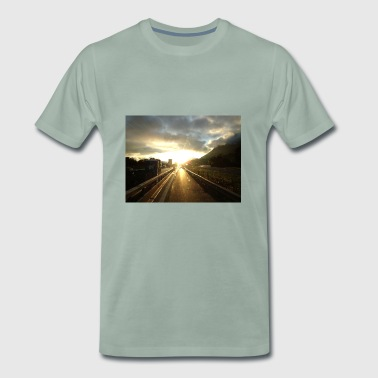 light on - Men's Premium T-Shirt