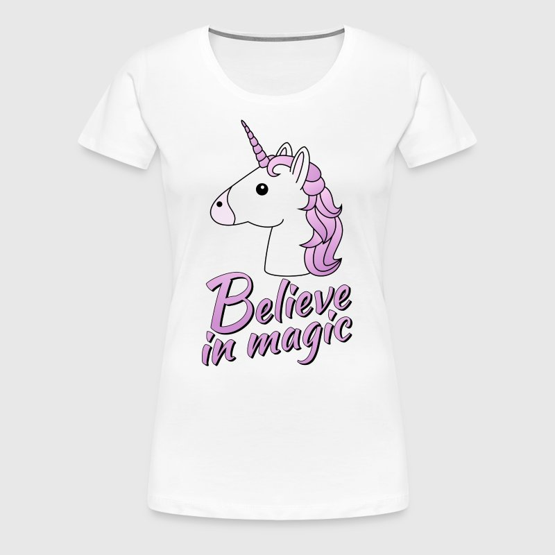 Unicorn head with text Believe in magic in lilac - Women's Premium T-Shirt