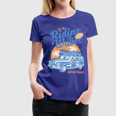 Ladies Surf Style T-shirt - Riding the Waves - Women's Premium T-Shirt