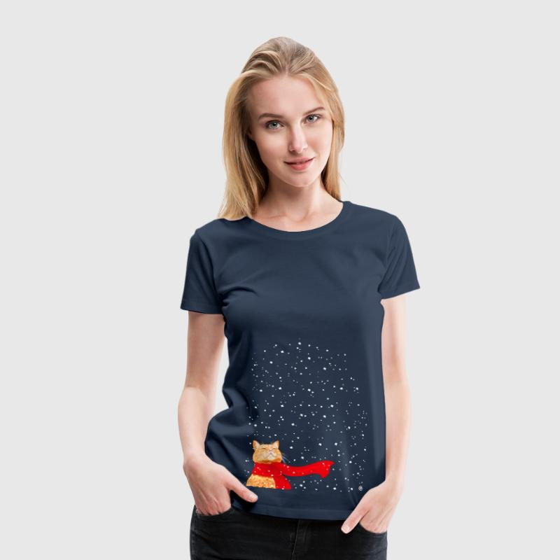 Tabby with Scarf (Christmas Cat) - Women's Premium T-Shirt