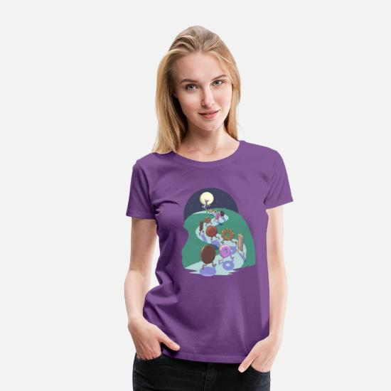 Food T-Shirts - Pied Piper of biscuits - Women's Premium T-Shirt purple