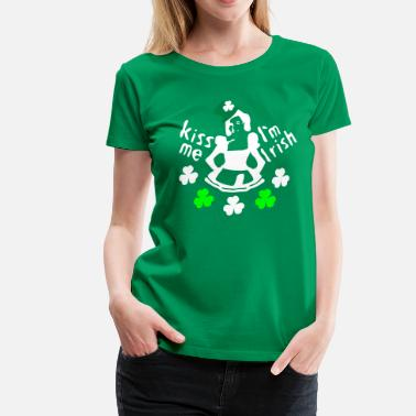 Kiss Me Im Irish Kiss Me I'm Irish girl in shamrock hat  - Women's Premium T-Shirt