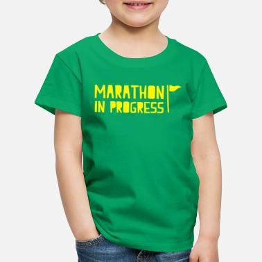 marathon in progress with little flag - Kids' Premium T-Shirt