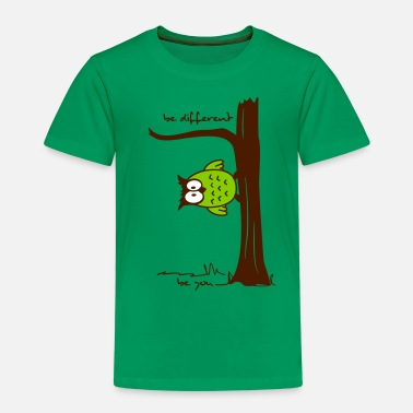 Lustige Eule auf Baum be different, be you - Kinder Premium T-Shirt