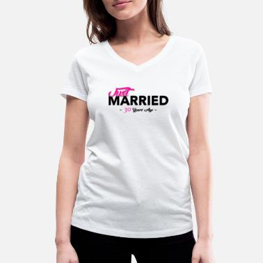 30 just married 30 years - Women's Organic V-Neck T-Shirt