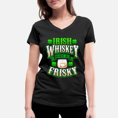 Irish Whiskey Makes Me Frisky St. Patricks Day - Økologisk T-skjorte med V-hals for kvinner fra Stanley & Stella