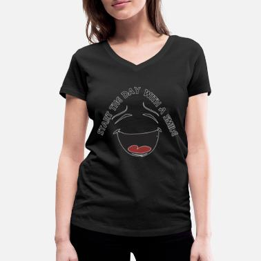 Week Start the day with a smile - Women's Organic V-Neck T-Shirt