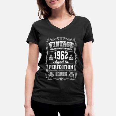 1962 1962 Vintage 56th Birthday gift 56 years old - Women's Organic V-Neck T-Shirt