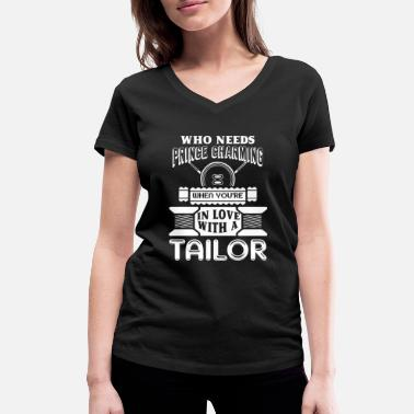 Tailor Tailor In Love With A Tailor - Women's Organic V-Neck T-Shirt