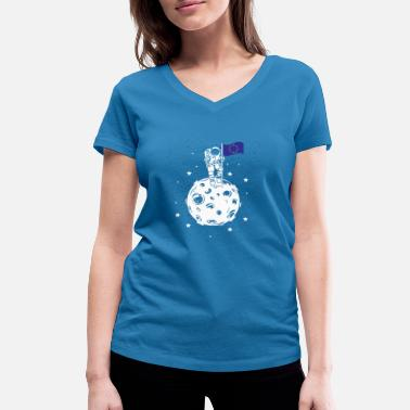 European Flag Astronaut with European flag on the moon - Women's Organic V-Neck T-Shirt by Stanley & Stella