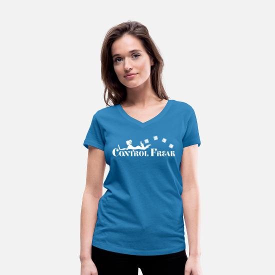 Gift Idea T-Shirts - Control freak. Sexy woman with laptop - Women's Organic V-Neck T-Shirt peacock-blue