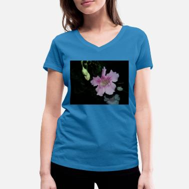 Pink flower - Women's Organic V-Neck T-Shirt
